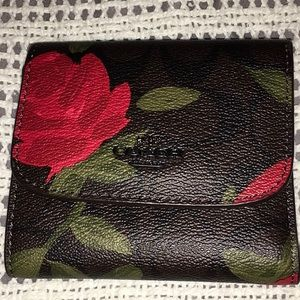 🔥Coach Tea Rose 🌹 Red Leather Small Wallet 🌹🎁